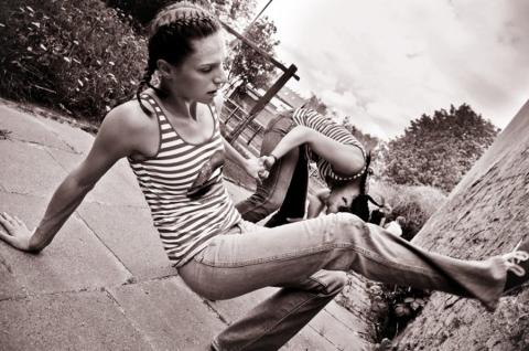 Streetwaves2010_GGK_Dziewczynki w czerwonych bucikach